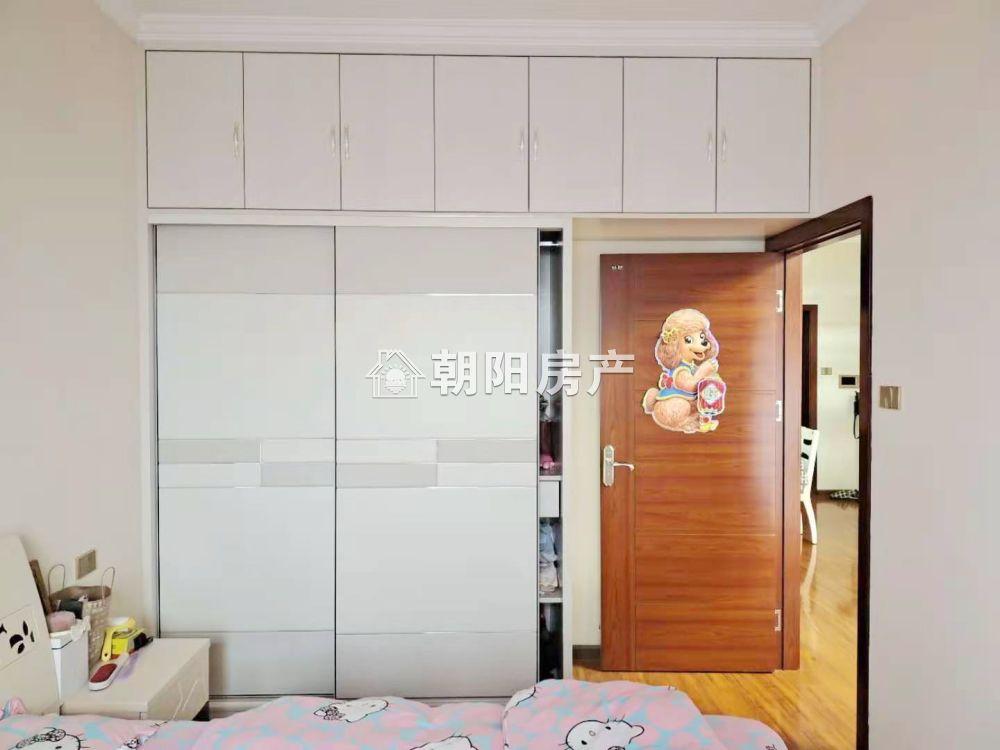 湖滨世纪城精装两室两厅出售采光极好
