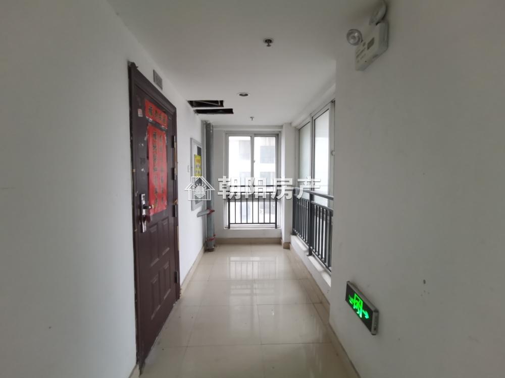龍湖中心精裝公寓出租