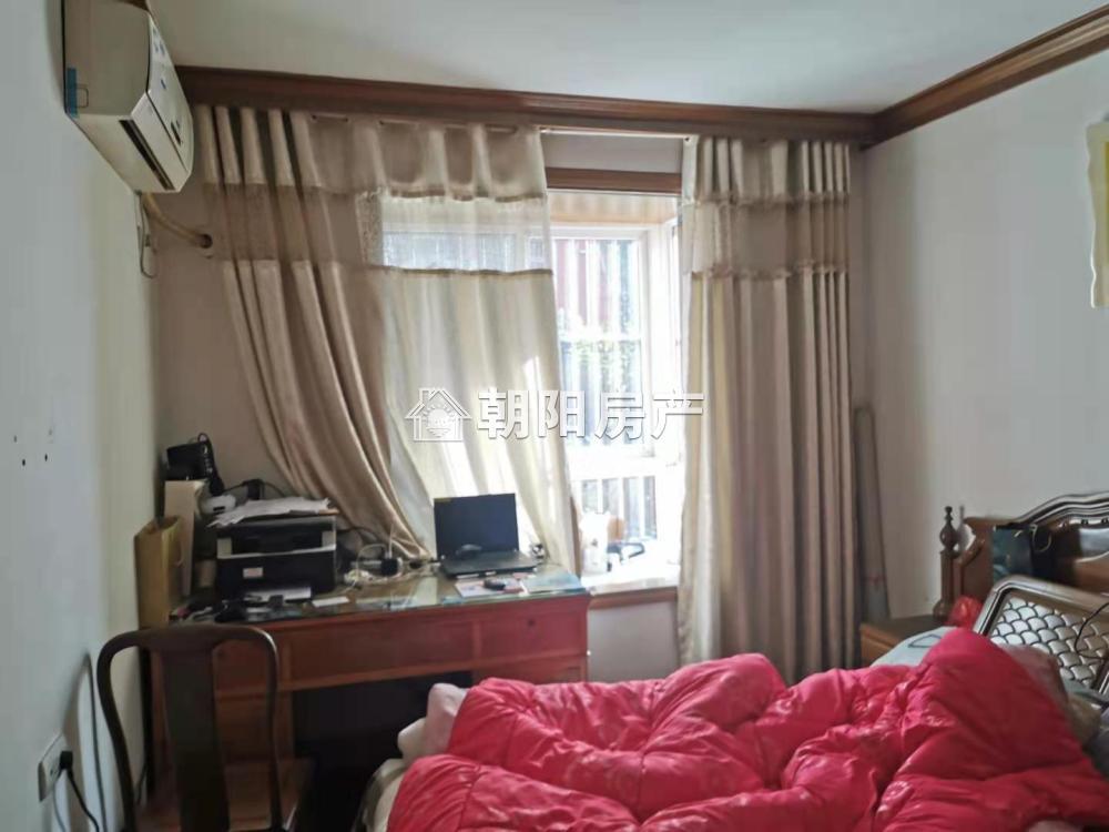 出租三室精装 2层家电齐全