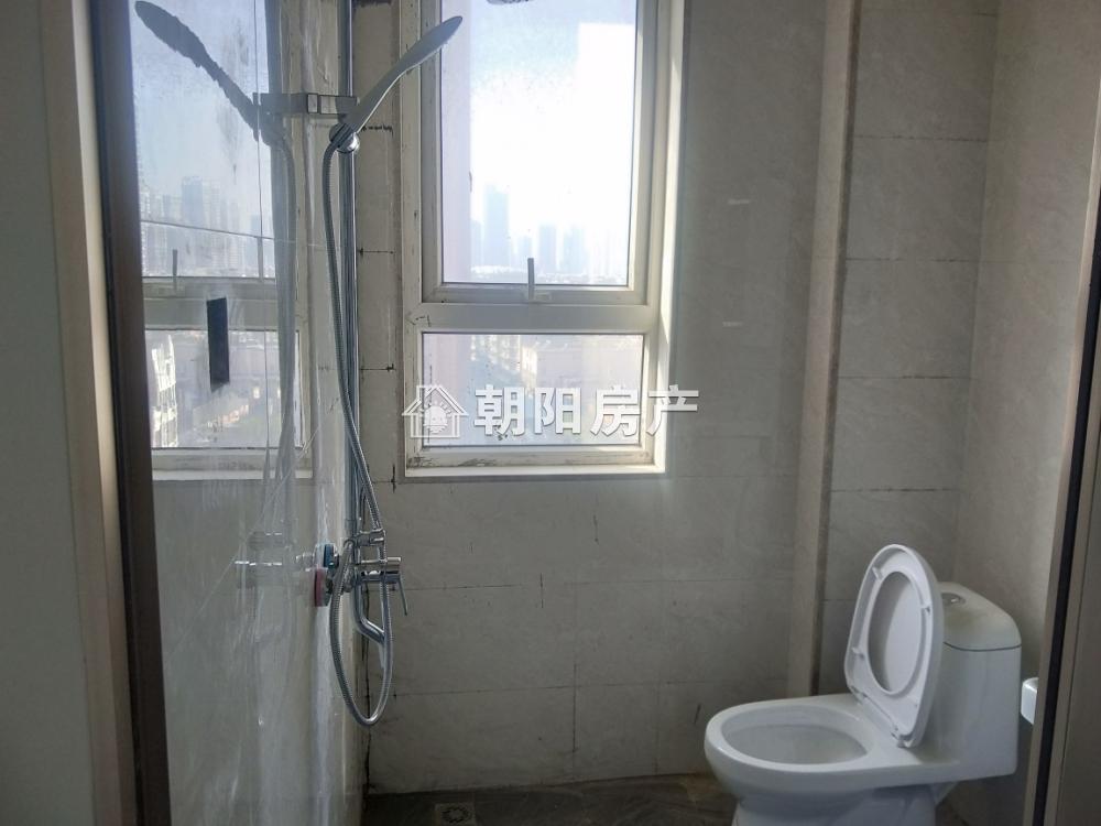 匯金廣場  1室1廳  新裝修未住  家具家電齊全
