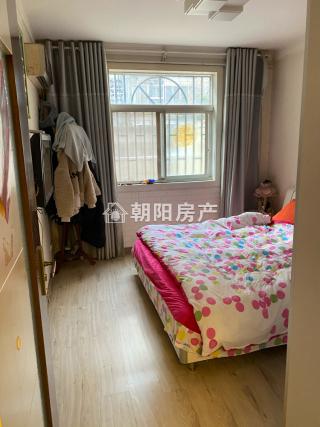 前锋花园2室1厅普装1楼带大院子低价出售_5