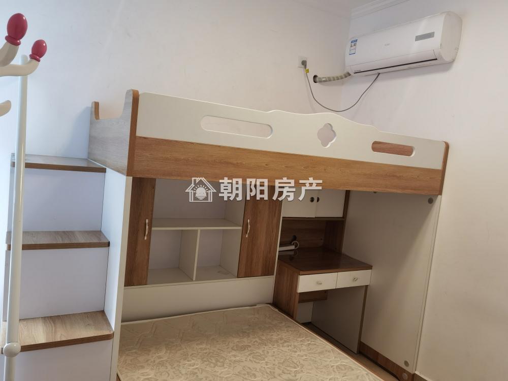 易居东方城精装修四室三厅二卫配套一应俱全拎包入住