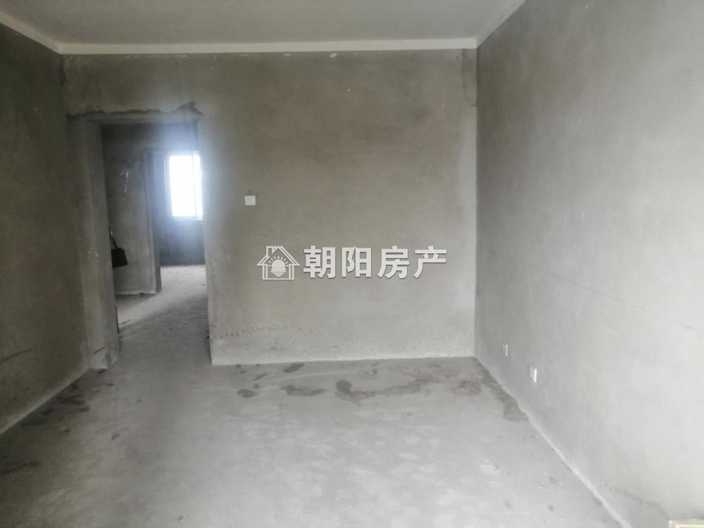 居仁村三区 4室2厅 毛坯 房东诚心出售